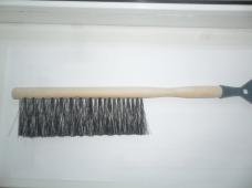Щетка сметка (5С-6-30) 3-рядная L-390(190)мм с пластиковыйм  скребком-50мм с деревянной  ручкой